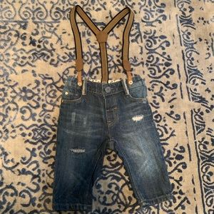 H&M distressed jeans and suspenders